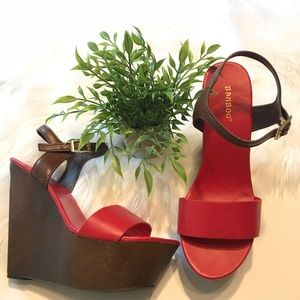BAMBOO Like New Wooden Red Sandal Wedges Size 9